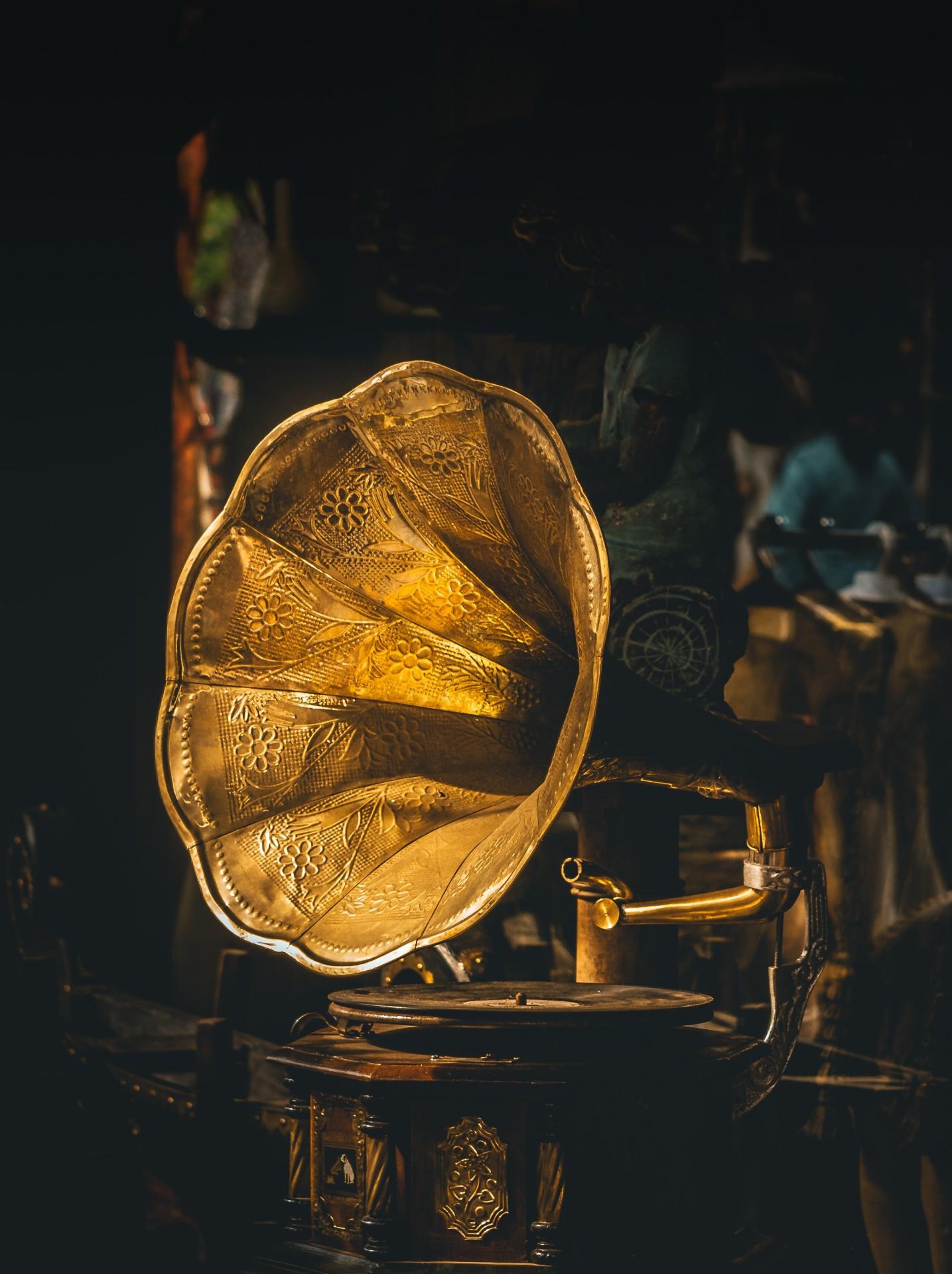 Gold Glitters, Money Waits .............